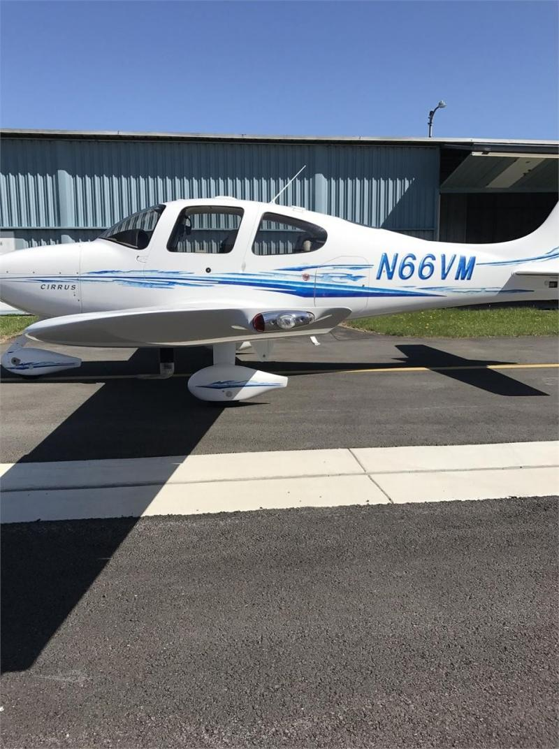 2005 CIRRUS SR22-G2 Photo 4