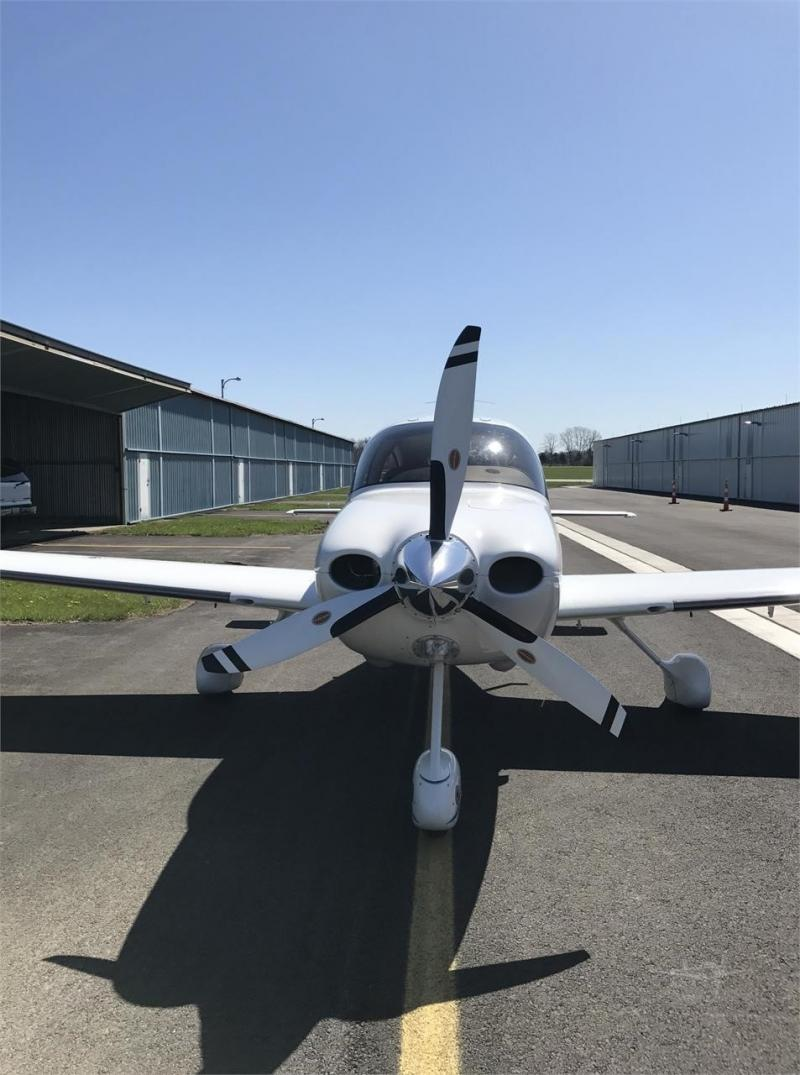 2005 CIRRUS SR22-G2 Photo 5