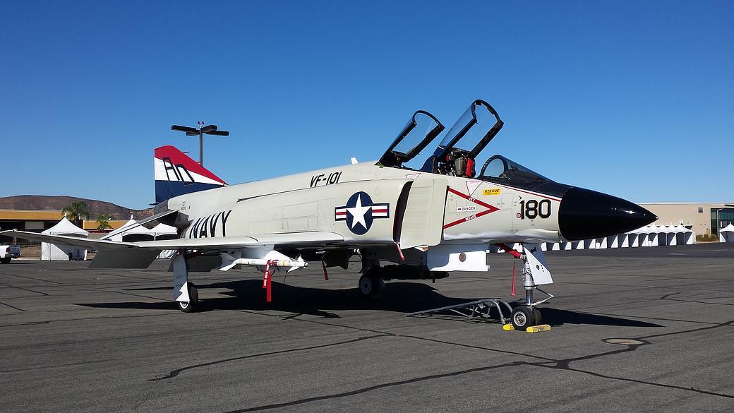 1959 McDonnell F4H-1F Phantom II - Photo 1