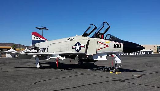 1959 McDonnell F4H-1F Phantom II Photo 2