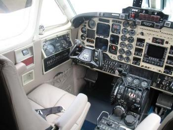 1985 BEECHCRAFT KING AIR 300  - Photo 4