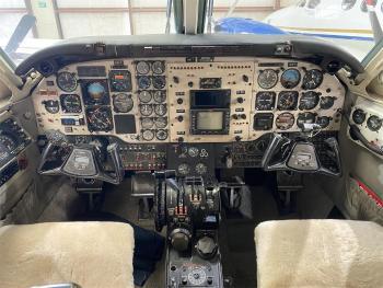 1981 BEECHCRAFT KING AIR C90  - Photo 3