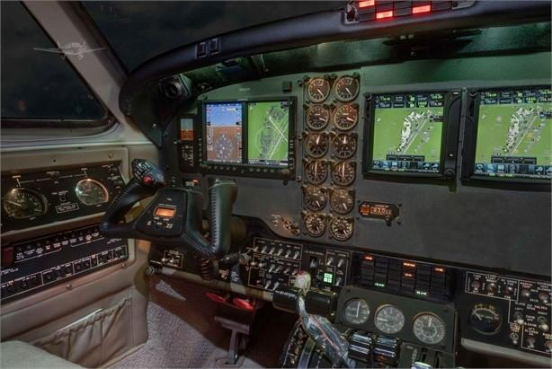 1989 BEECHCRAFT KING AIR B200 Photo 3