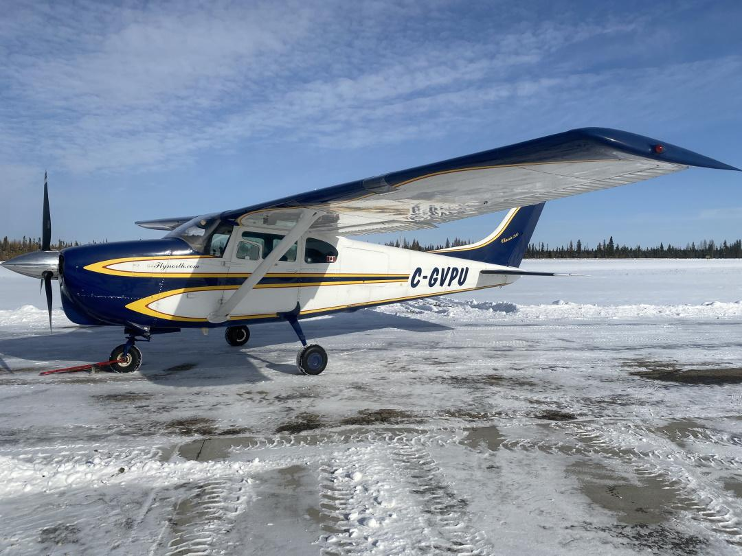 1960 Cessna 210 Photo 3