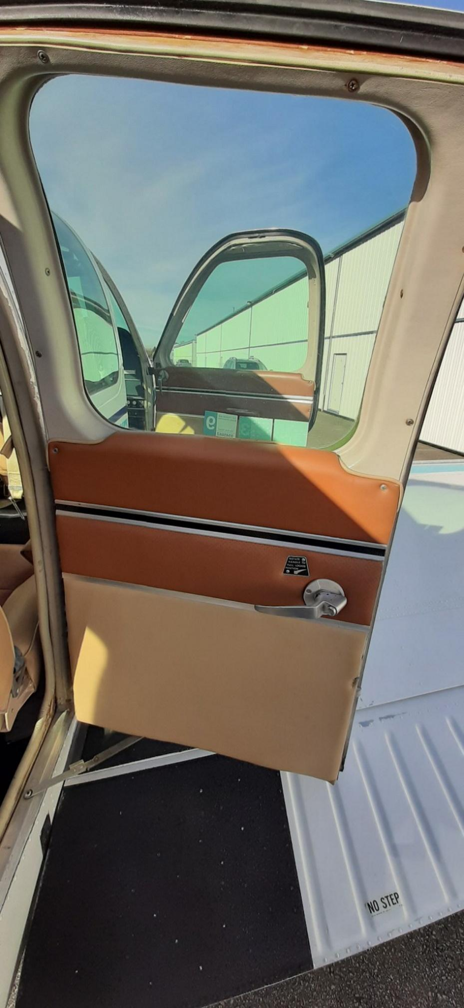 1969 Beech 36 Bonanza Photo 2