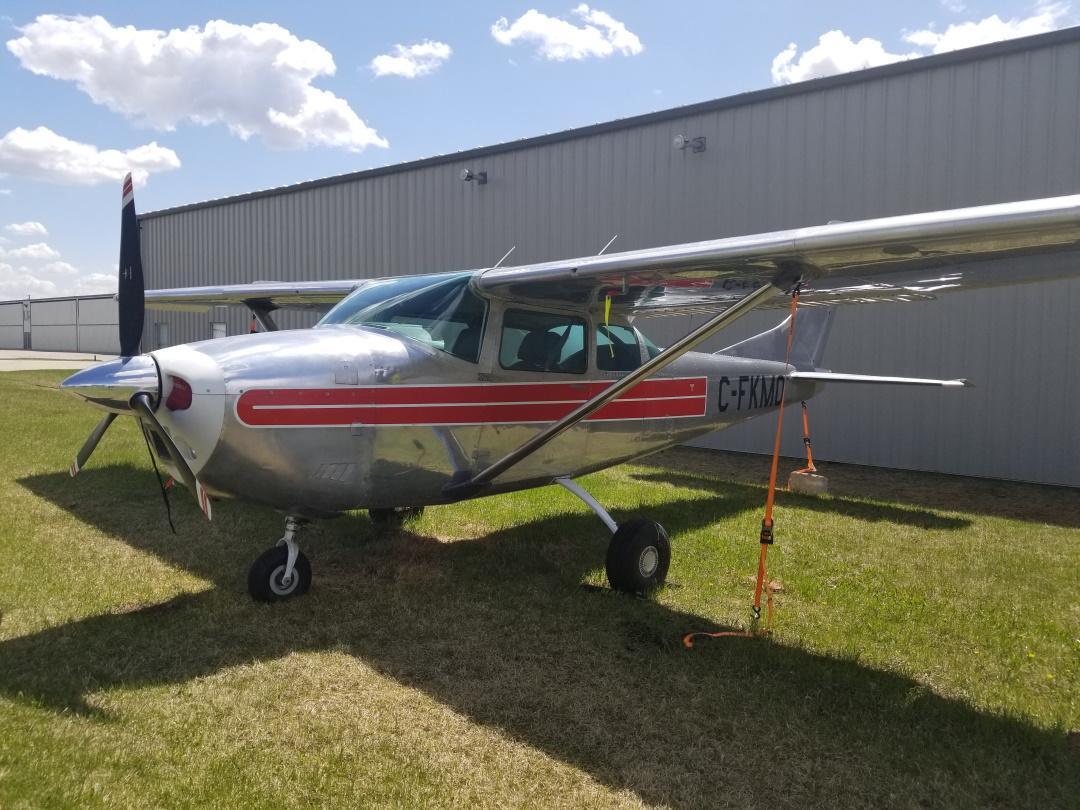 1962 Cessna 182E Photo 2