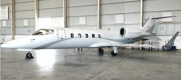 2001 Learjet 60 - Photo 1