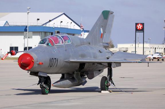 1974 MiG 21UM Photo 2
