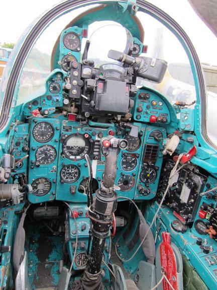 1980 MiG 21UM Photo 3