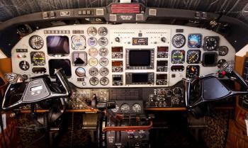 1990 BEECHCRAFT KING AIR 300-LW - Photo 6