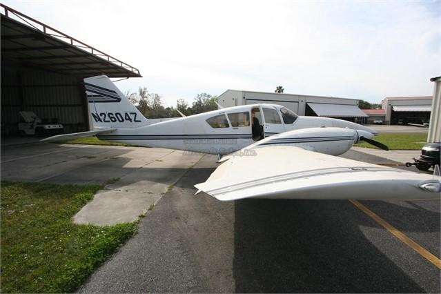1981 PIPER AZTEC F - Photo 1