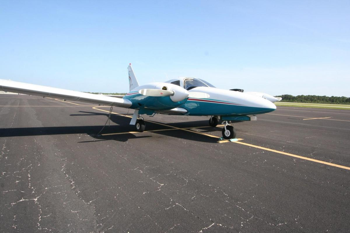 1976 PIPER SENECA II Photo 2