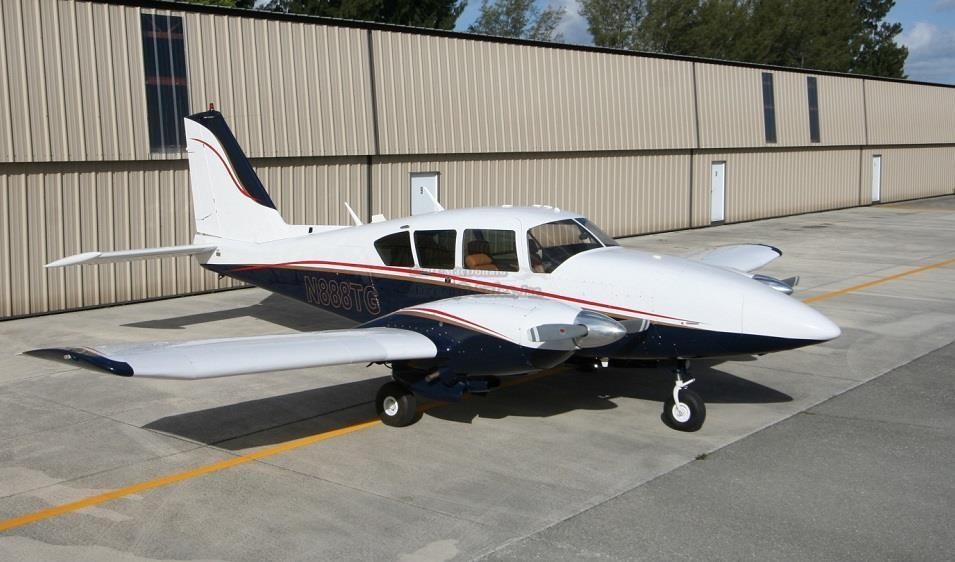 1976 PIPER AZTEC F Photo 2