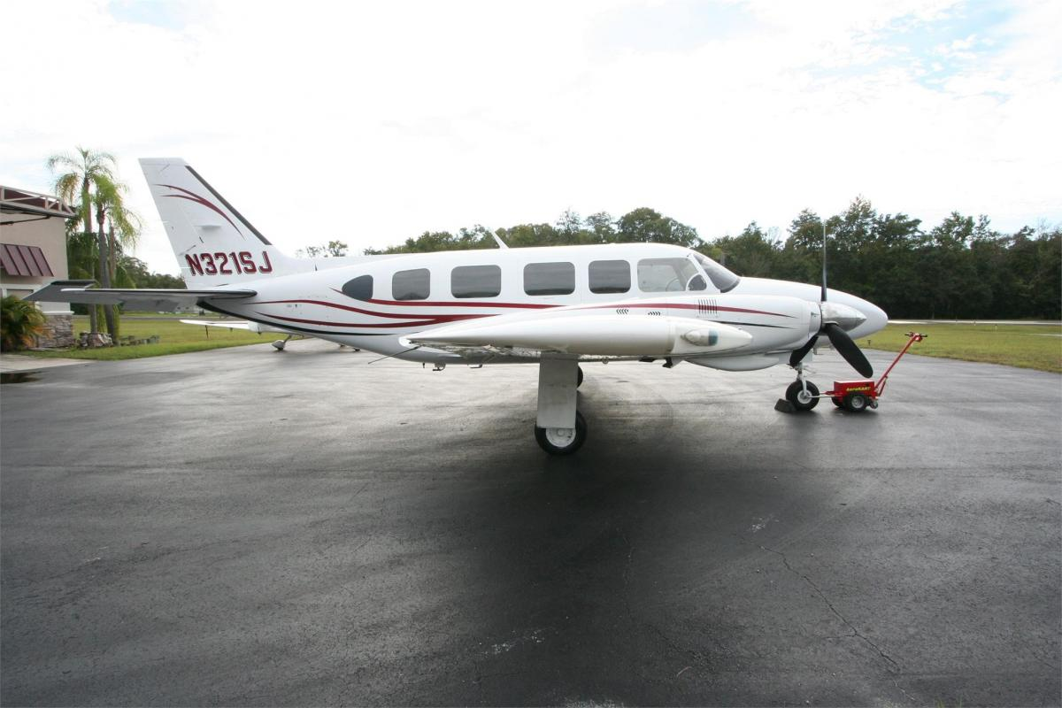 1977 PIPER NAVAJO CHIEFTAIN Photo 2