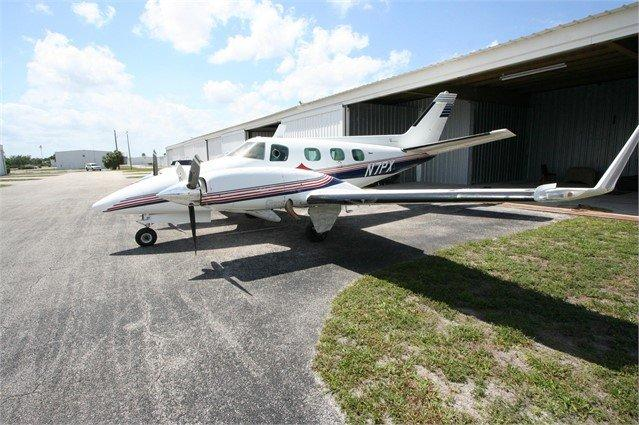 1977 BEECHCRAFT B60 DUKE  Photo 2