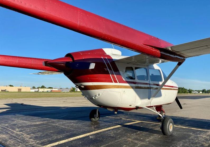Cessna 337 Photo 3