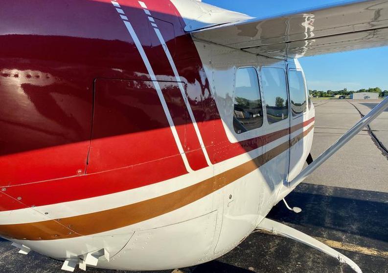 Cessna 337 Photo 7