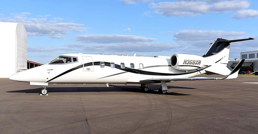2009 Learjet 60XR Photo 2