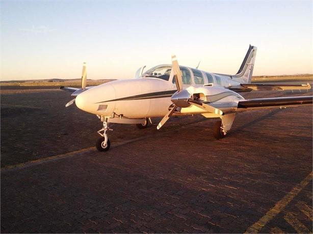 2000 BEECHCRAFT 58 BARON Photo 2