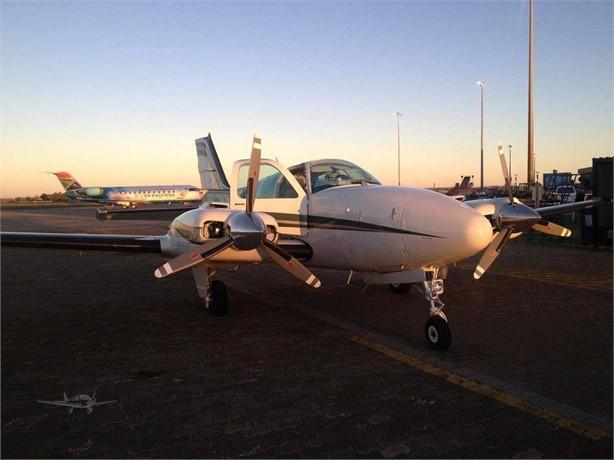 2000 BEECHCRAFT 58 BARON Photo 3