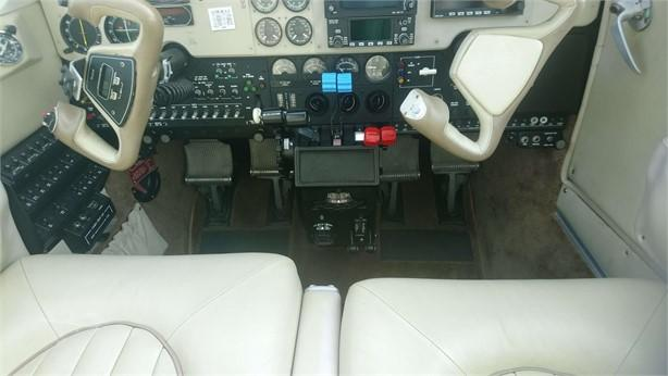 2000 BEECHCRAFT 58 BARON Photo 6