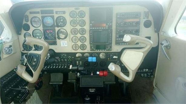 2000 BEECHCRAFT 58 BARON Photo 7