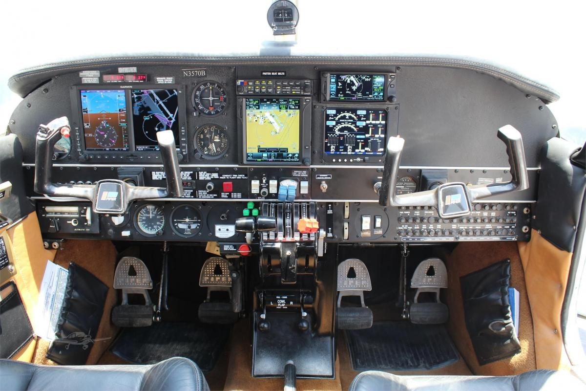 1980 PIPER SENECA II Photo 4