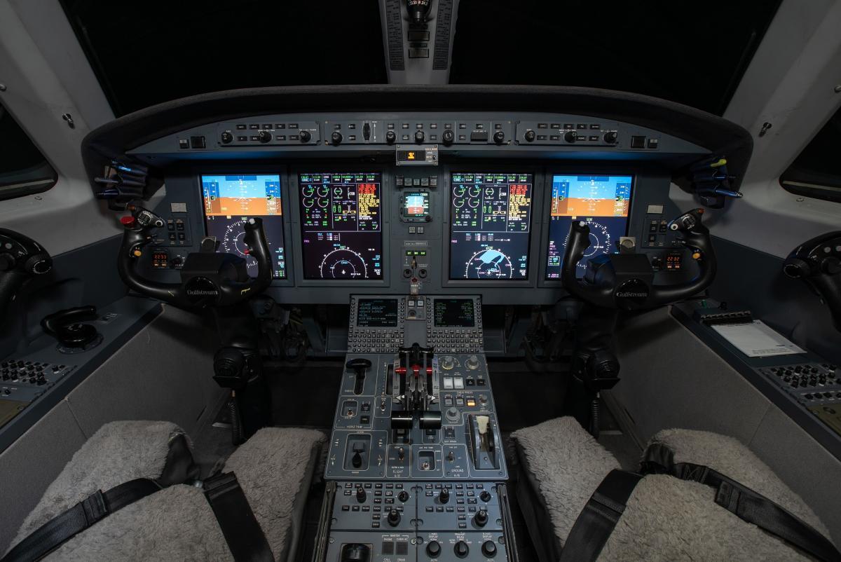 2007 Gulfstream G150 Photo 6