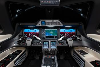 2015 Embraer Phenom 300 - Photo 15