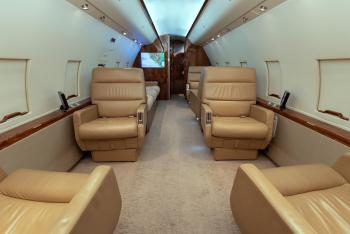 1985 Bombardier Challenger 601-1A - Photo 8