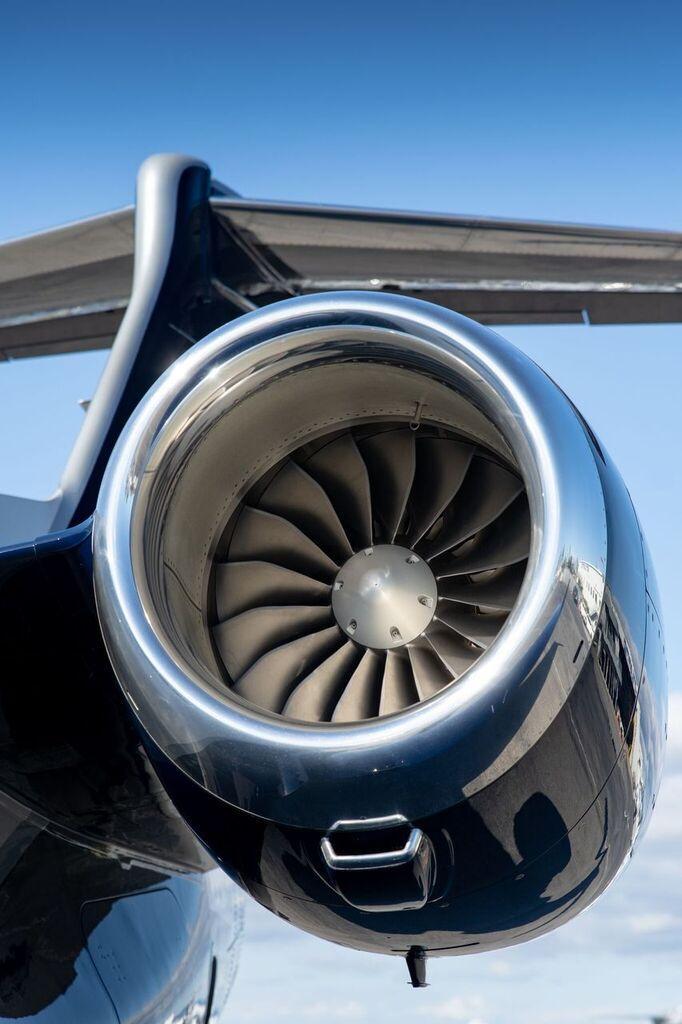 2019 Embraer Phenom 300E Photo 6