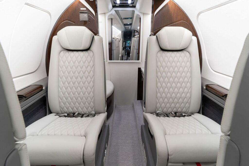 2019 Embraer Phenom 300E Photo 3