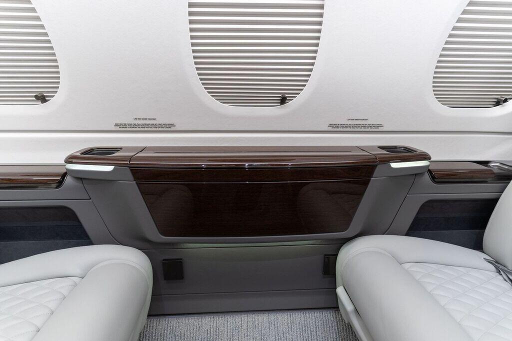 2019 Embraer Phenom 300E Photo 7
