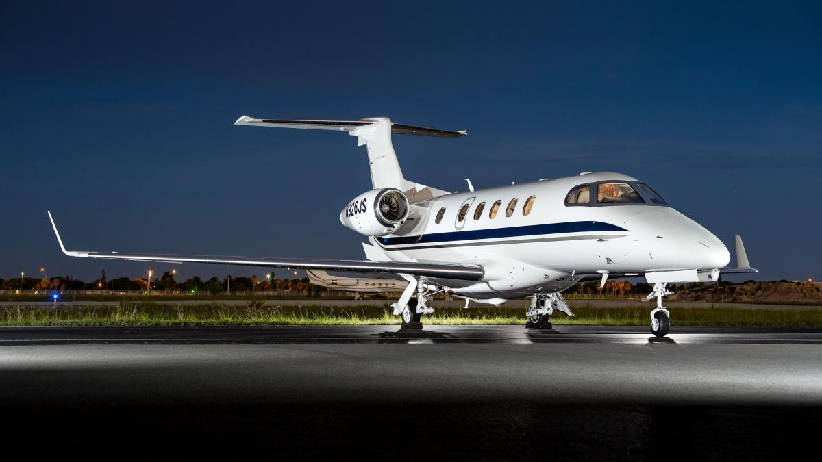 2012 Embraer Phenom 300 Photo 4