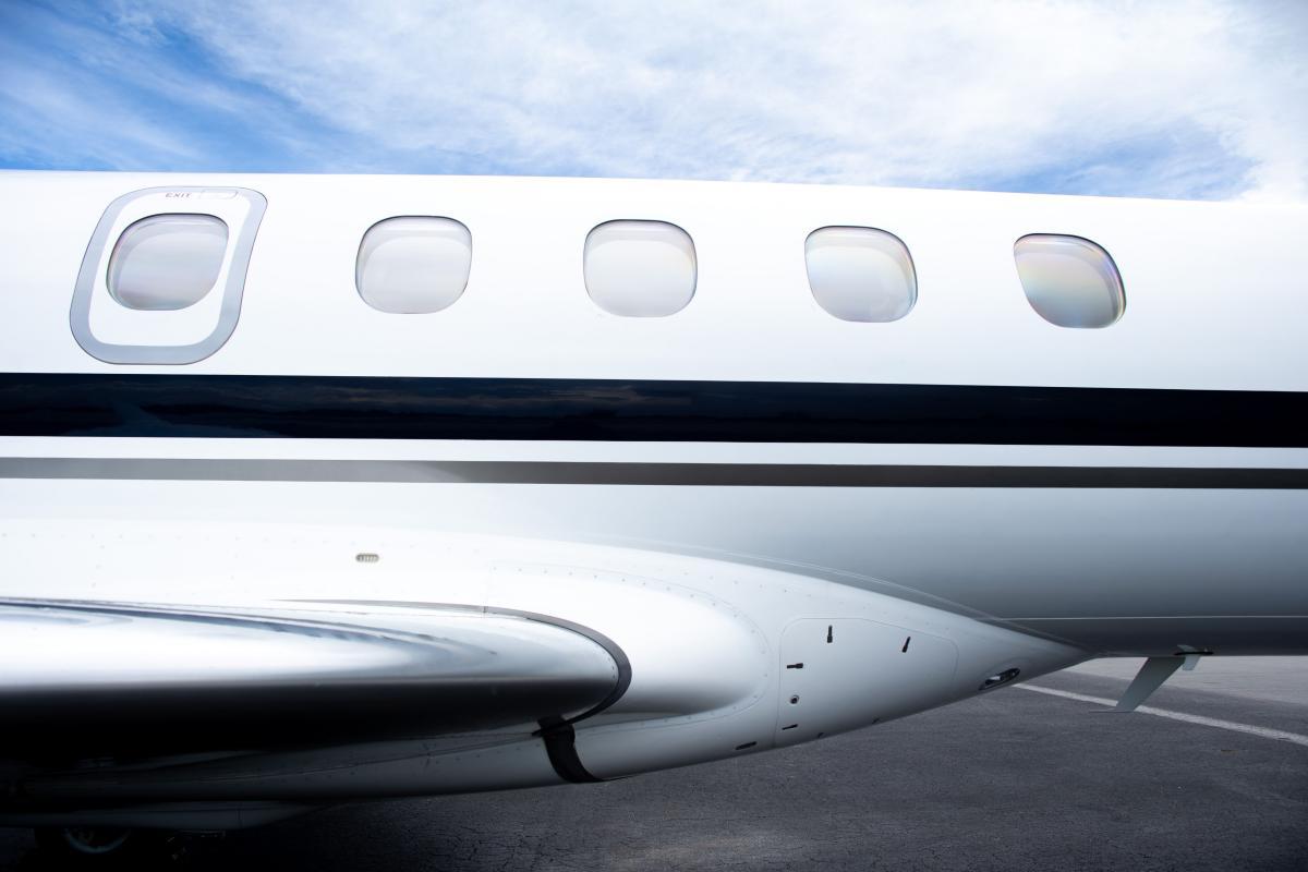 2012 Embraer Phenom 300 Photo 6