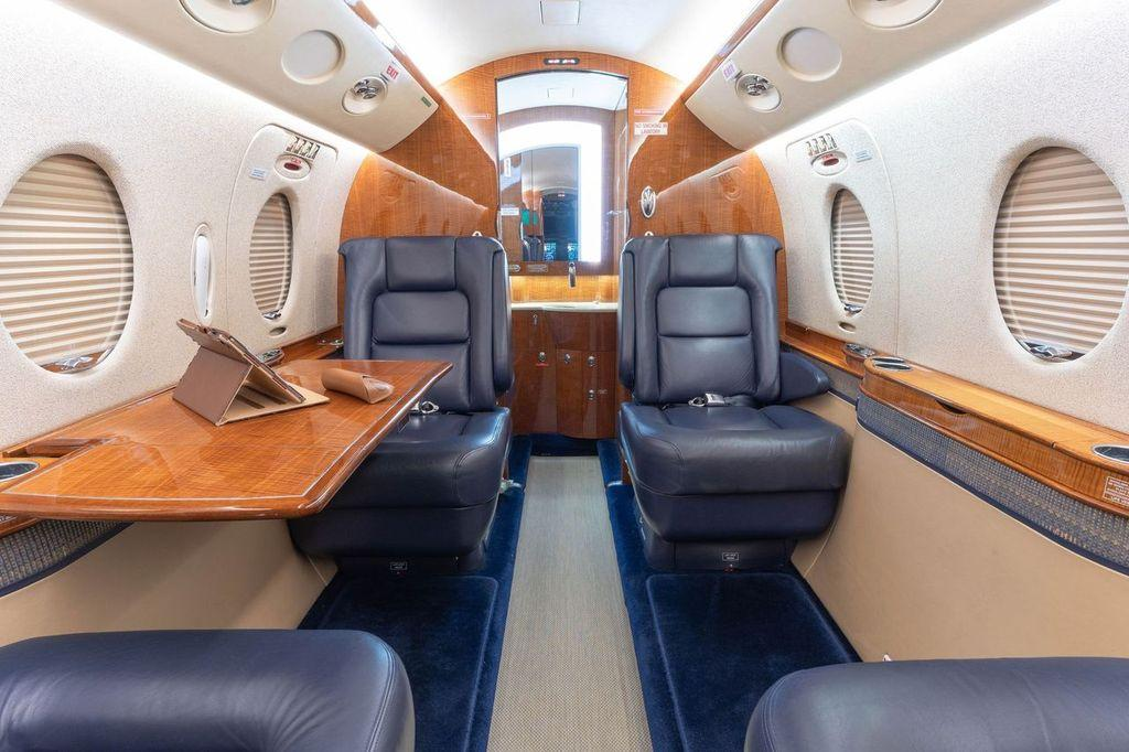 2006 Gulfstream G150 Photo 2