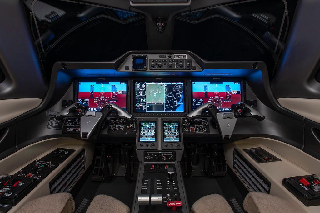 2018 Embraer Phenom 100EV Photo 2