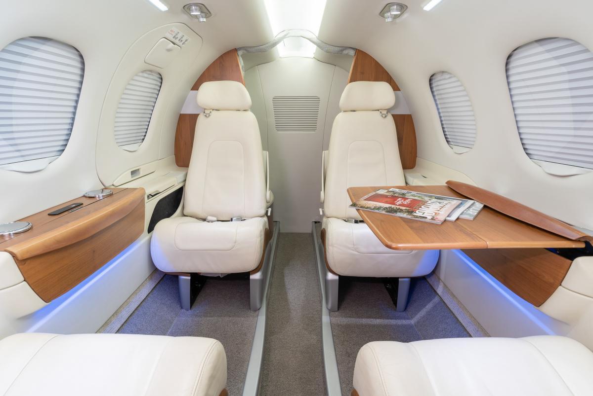 2010 Embraer Phenom 100 Photo 2