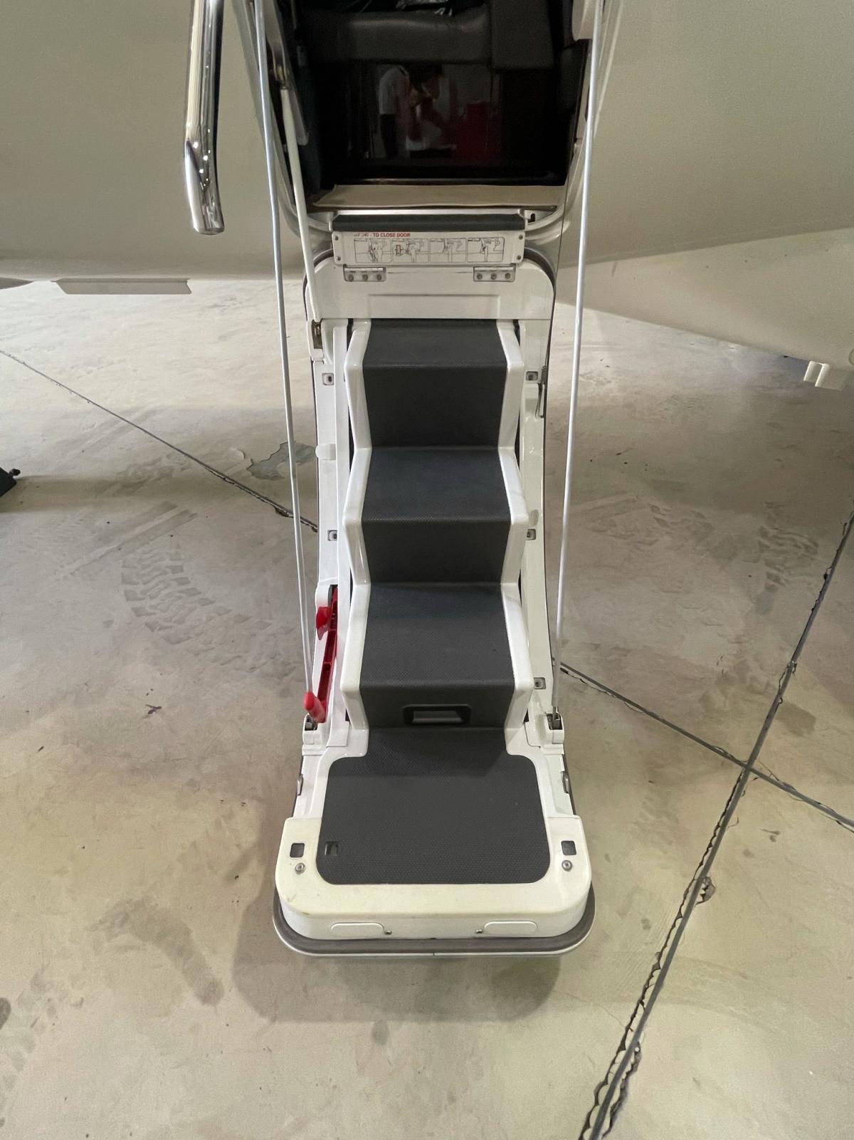 2016 Embraer Phenom 100E Photo 3
