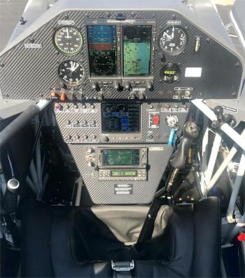 2012 EXTRA AIRCRAFT EA 330LT  - Photo 6
