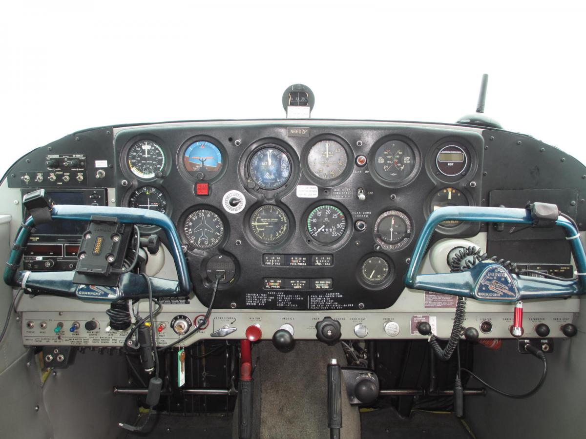 1960 Piper Comanche 180 Photo 6