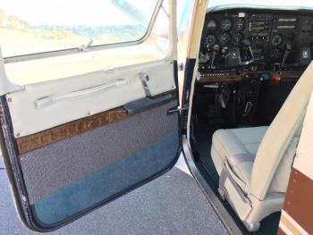 1980 Cessna 182 Turbo RG II - Photo 16