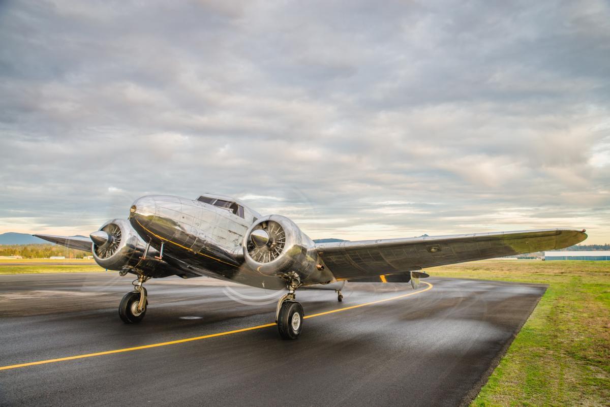 1937 Lockheed 12A  - Photo 1