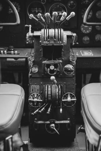 1937 Lockheed 12A  - Photo 22