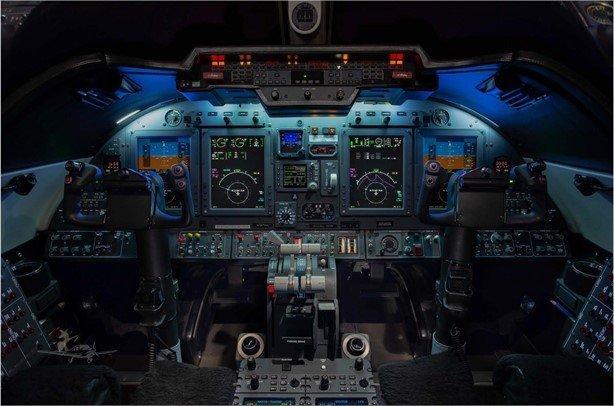 2013 Learjet 60XR Photo 2