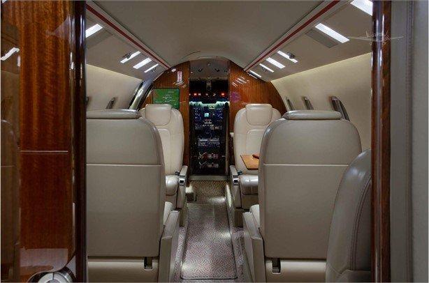 2013 Learjet 60XR Photo 5