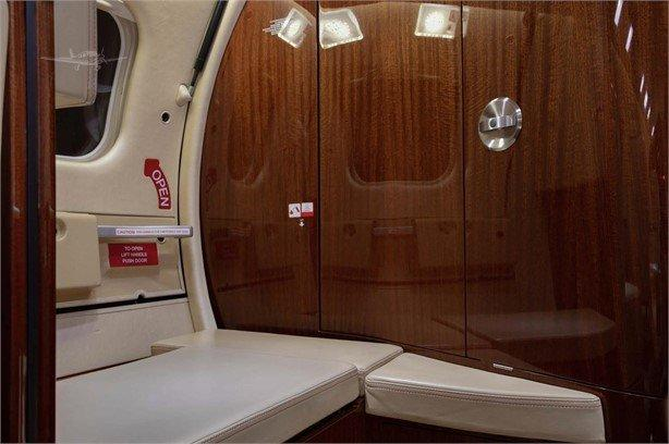 2013 Learjet 60XR Photo 6