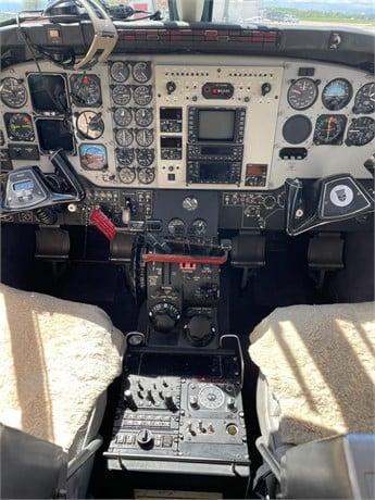 1993 BEECHCRAFT KING AIR C90B Photo 7