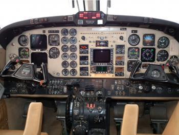 1993 Beech King Air 300 LW - Photo 6