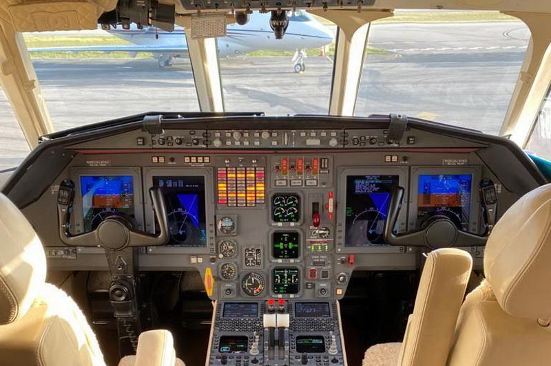 1997 Falcon 2000 Photo 3